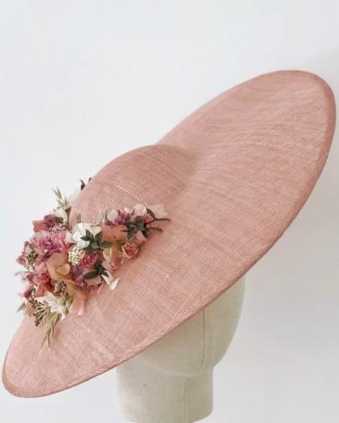 Pamela de sinamay con flores preservadas