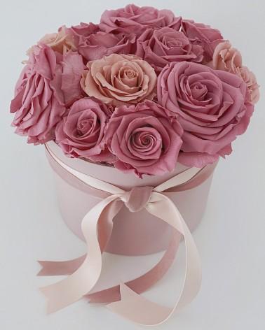 Bombonera de rosas preservadas