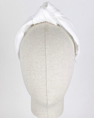 Diadema de mikado de novia con plumeti de seda