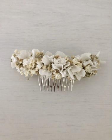Tocado de flor natural preservada en blanco con margaritas mini