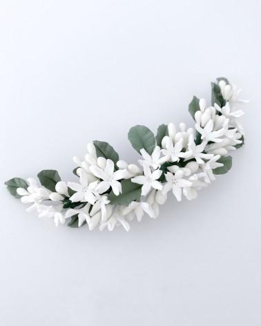 Tocado de flores de jazmín y hojas de porcelana