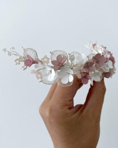 Tocado largo de flores de porcelana