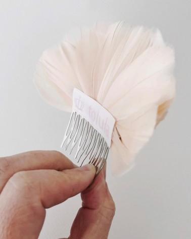 Tocado de plumas rosa pálido
